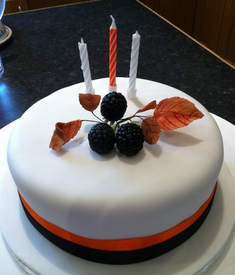 Marvelous Autumn Birthday Cake Devon Cake Maker In Devon Funny Birthday Cards Online Unhofree Goldxyz